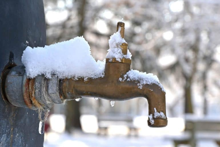 How To Thaw a Frozen Outdoor Faucet